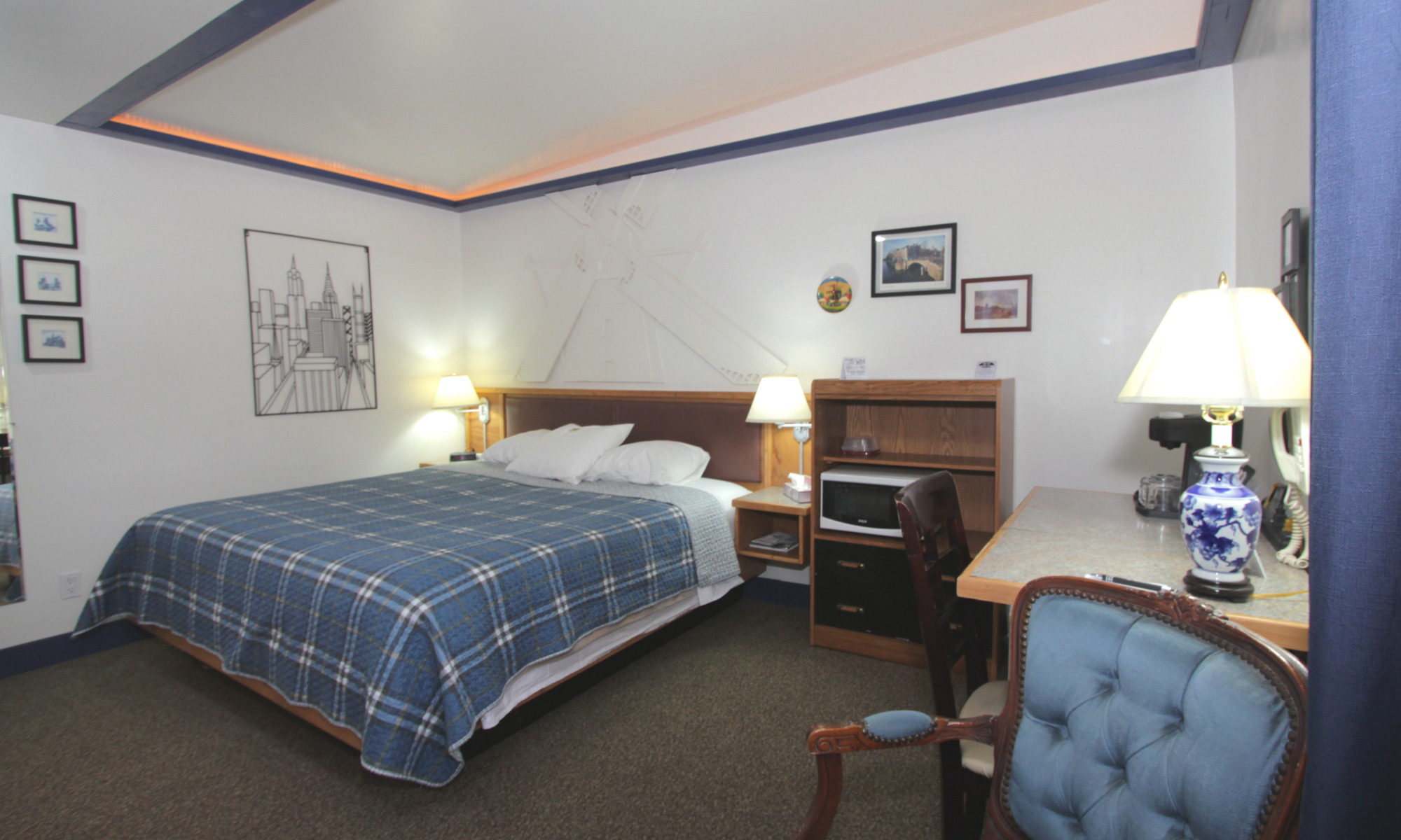 Room 18 Bed from Entry